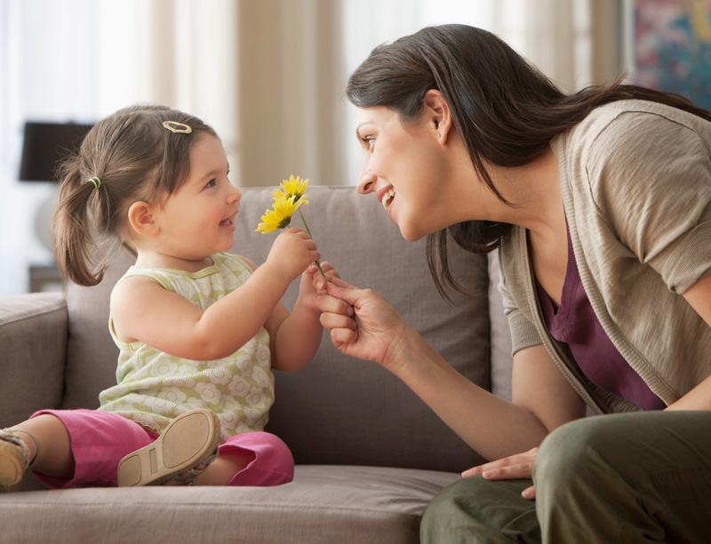 هل يحصل طفلك على جرعته اليومية من الغذاء اللغوي؟
